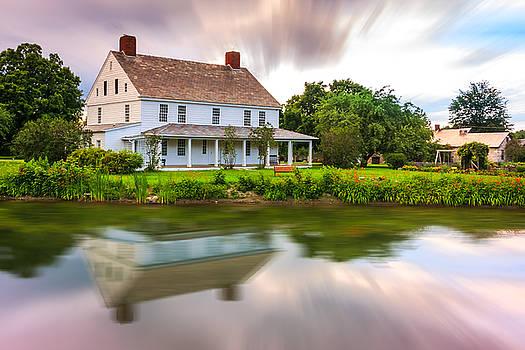 A White House by Susan Leonard