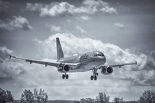 A320 On Approach by Guy Whiteley