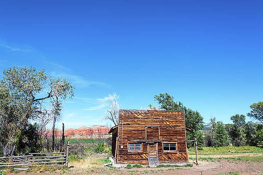 Abandoned Building in Wyoming by Jess Kraft