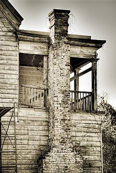 Abandoned Plantation House #5 by Andrew Crispi