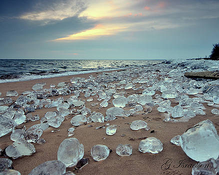 Agate Beach by Gregory Israelson