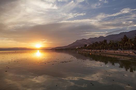 Ajijic Sunset by Eunice Gibb