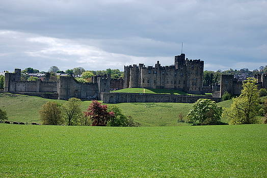 Alnwick Castle by Cathy P Jones