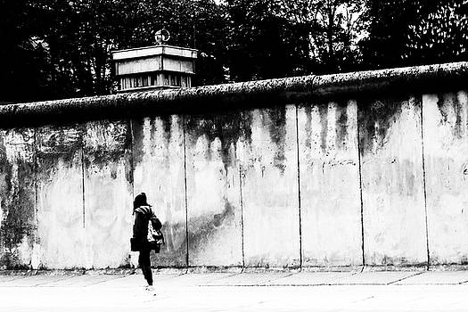 Along the Berlin Wall by Frank Andree