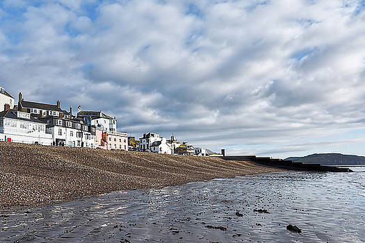 Along The Seafront by Susie Peek