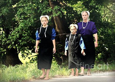 Amish Sisters Barefoot Stroll by Beth Ferris Sale
