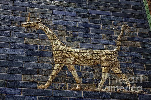 Patricia Hofmeester - Ancient Babylon dragon
