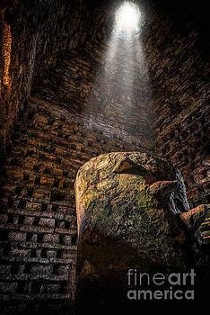 Adrian Evans - Ancient Dovecote