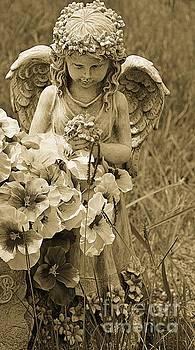 Angel Statue by Janice Spivey