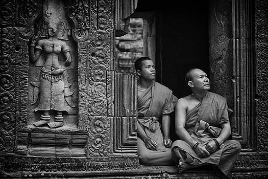 Angkok Wat Buddhist Monks gather by David Longstreath