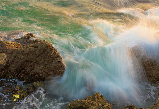 Angry Surf by Jim Thompson