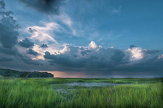 Approaching Storm by Phyllis Peterson