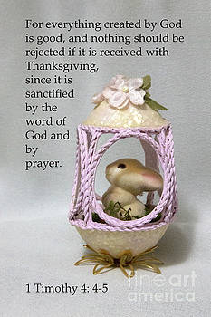 Artistic Egg with Scripture by Linda Phelps