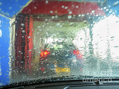 At the car wash by Patricia Hofmeester