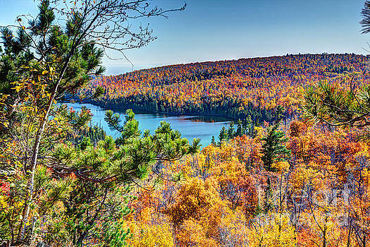 Autumn Colors Overlooking Lax Lake Tettegouche State Park II by Wayne Moran