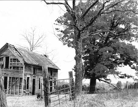 Autumn Farmhouse B and W by CGHepburn Scenic Photos