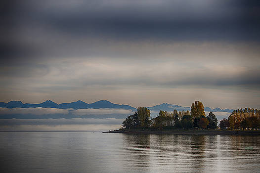 Autumn On The Bay by Randy Hall