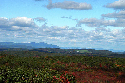 Autumn Touches In Vermont by GJ Blackman