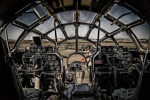 Chris Lord - B29 Superfortress Fifi Cockpit View