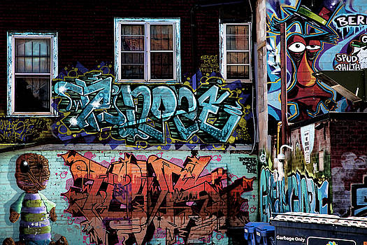 Backstreet by Joanna Madloch