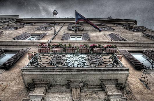Balcon by Miguel Pardo