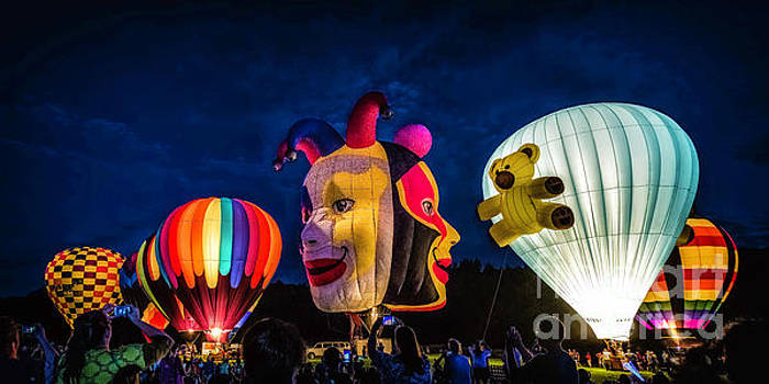 Balloon Glow by Nick Zelinsky