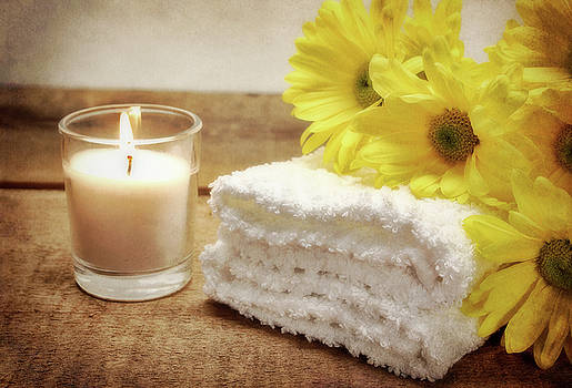 Bath Towels and Daisies 2 by Vicki McLead