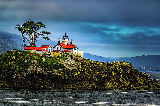 Battery Point Lighthouse by Janis Knight