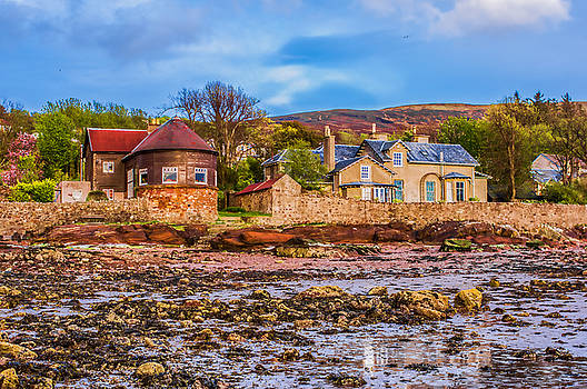 Beach Houses At Fairlie by Tylie Duff