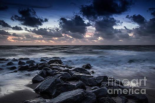 Beach Morn by Richard Smukler