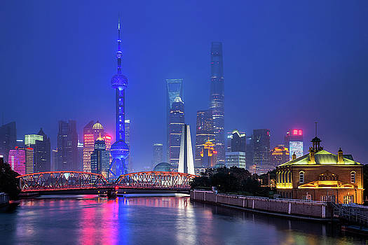 Beautiful Night In Shanghai by Anek Suwannaphoom