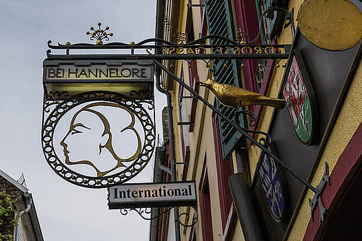 BEI Hannelore International Wirsthaus by Teresa Mucha