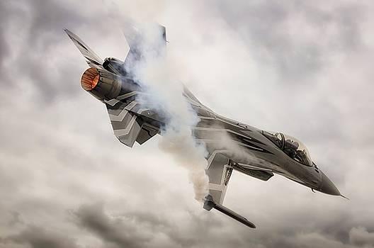 Belgium Falcon F-16  by Jason Green
