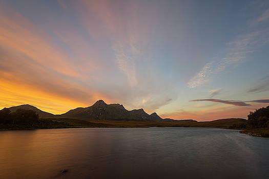 Ben Loyal at Dawn by Derek Beattie