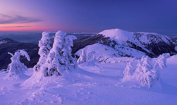 Berlebashka mount in twilight. Carpathians by Sergey Ryzhkov