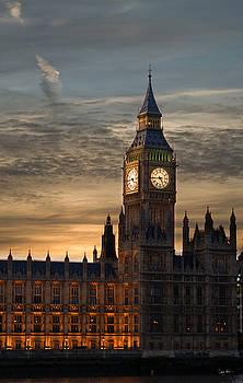 Big Ben at dusk by Martin Howard