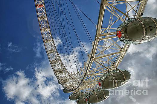 Big Ferris wheel by Patricia Hofmeester