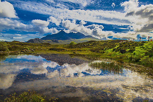 Black Cuillins And Pond by Steven Ainsworth