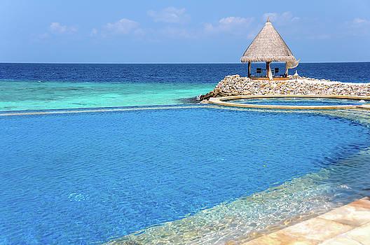 Jenny Rainbow - Blue Infinity Pool. Maldives