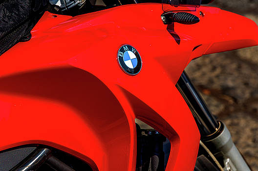 Bmw Gas Tank by Xavier Cardell