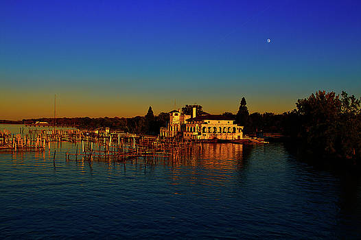 Boat Club by Dave Manning