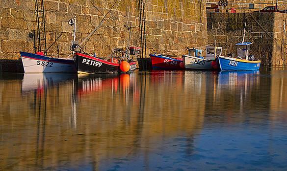 Boats at Mousehole by Pete Hemington