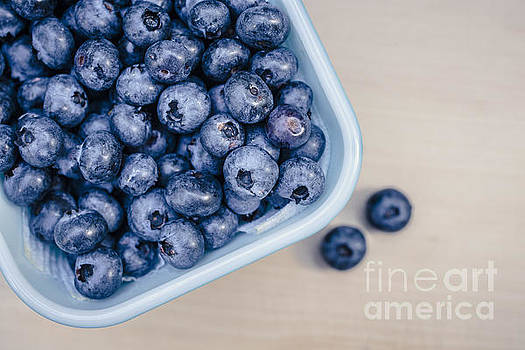 Edward Fielding - Bowl of Fresh Blueberries