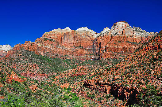 Breathtaking view of Zion National Park. by Jay Mudaliar