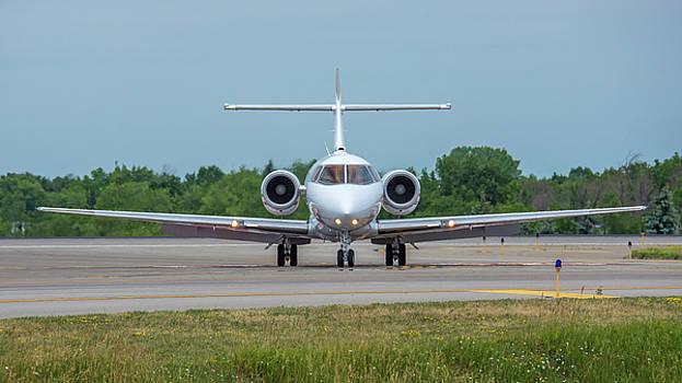 British Aerospace BAe125 N850JA by Guy Whiteley