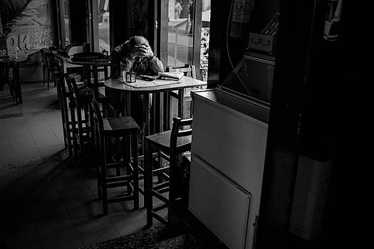 Broken Dreams by Antonio Jorge Nunes