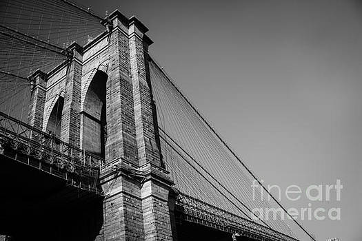 Sonja Quintero - Brooklyn Bridge Black and White II