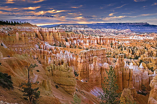 Bryce Canyon by William Lee