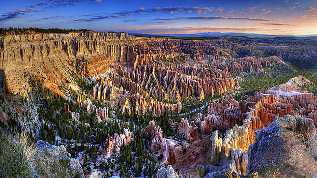 Bryce Point Sunrise by William Lee