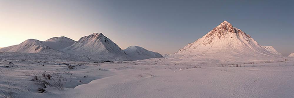 Buachaille Etive Mor Panorama by Derek Beattie